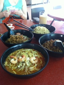 Things I Just Discovered In Singapore - Sarawak Laksa and Kolo Mee 2